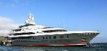http://www.ragusanews.com//immagini_articoli/10-08-2016/yacht-il-queen-k-passa-da-donnalucata-in-direzione-marina-di-ragusa-100.jpg
