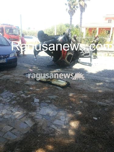 http://www.ragusanews.com//immagini_articoli/10-08-2017/incidente-quattro-feriti-migliorano-condizioni-ragazza-500.jpg