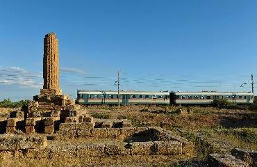 http://www.ragusanews.com//immagini_articoli/10-08-2017/treno-templi-possibile-prenotarlo-240.jpg