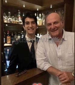 https://www.ragusanews.com//immagini_articoli/10-08-2021/gerry-scotti-cena-di-compleanno-da-ciccio-sultano-280.jpg