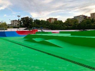 https://www.ragusanews.com//immagini_articoli/10-09-2019/1568103081-ragusa-ecco-lo-skatepark-toto-ottaviano-1-240.jpg