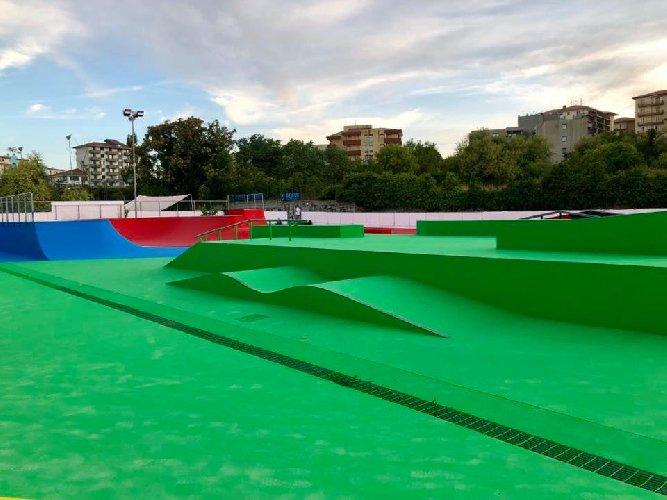 https://www.ragusanews.com//immagini_articoli/10-09-2019/1568103081-ragusa-ecco-lo-skatepark-toto-ottaviano-1-500.jpg