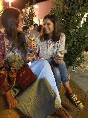 https://www.ragusanews.com//immagini_articoli/10-09-2019/milo-e-capitale-vino-in-sicilia-240.jpg
