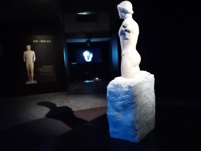 https://www.ragusanews.com//immagini_articoli/10-09-2020/il-kouros-ritrovato-a-siracusa-500.jpg
