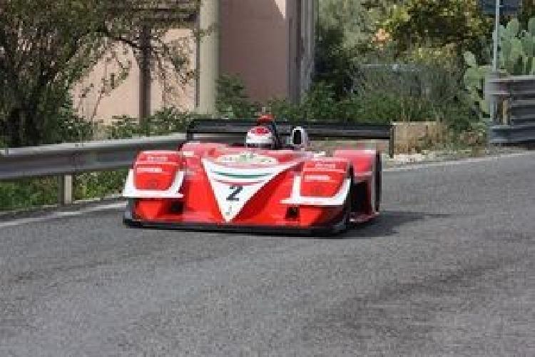 https://www.ragusanews.com//immagini_articoli/10-10-2011/luigi-bruccoleri-vince-la-monti-iblei-500.jpg