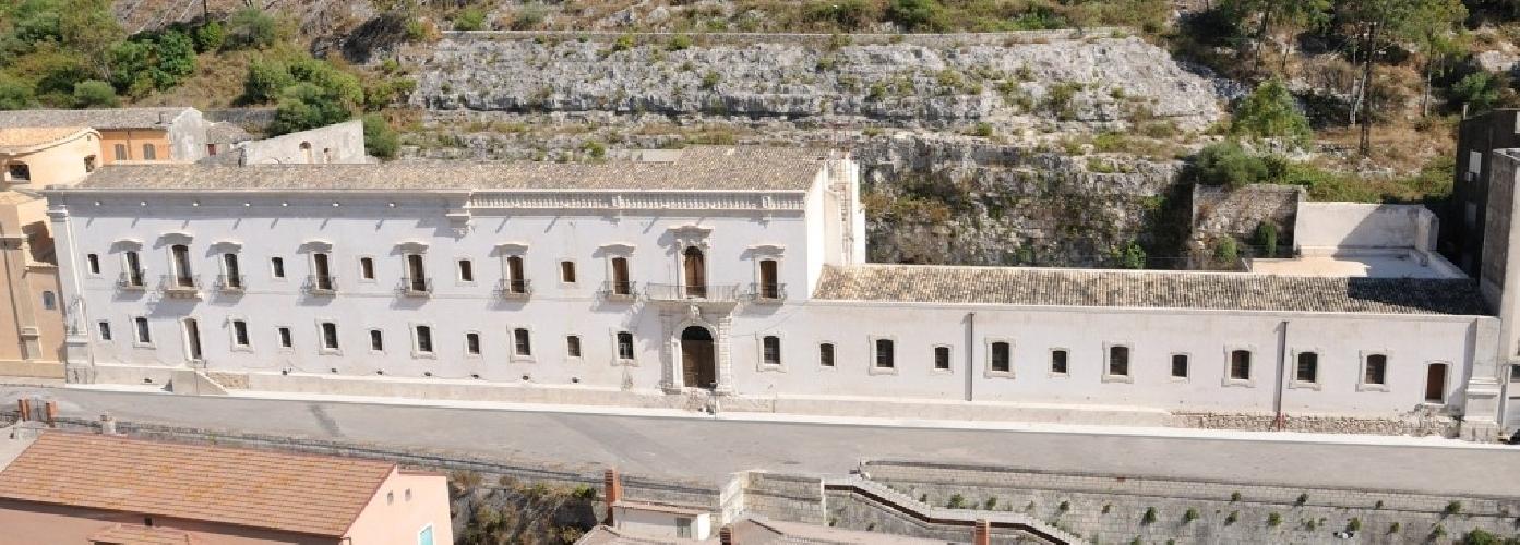 https://www.ragusanews.com//immagini_articoli/10-10-2014/1474-in-sicilia-i-padri-mercedari-liberavano-gli-schiavi-cristiani-500.jpg