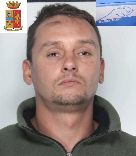 http://www.ragusanews.com//immagini_articoli/10-10-2014/mandato-d-arresto-europeo-in-manette-polacco-500.jpg