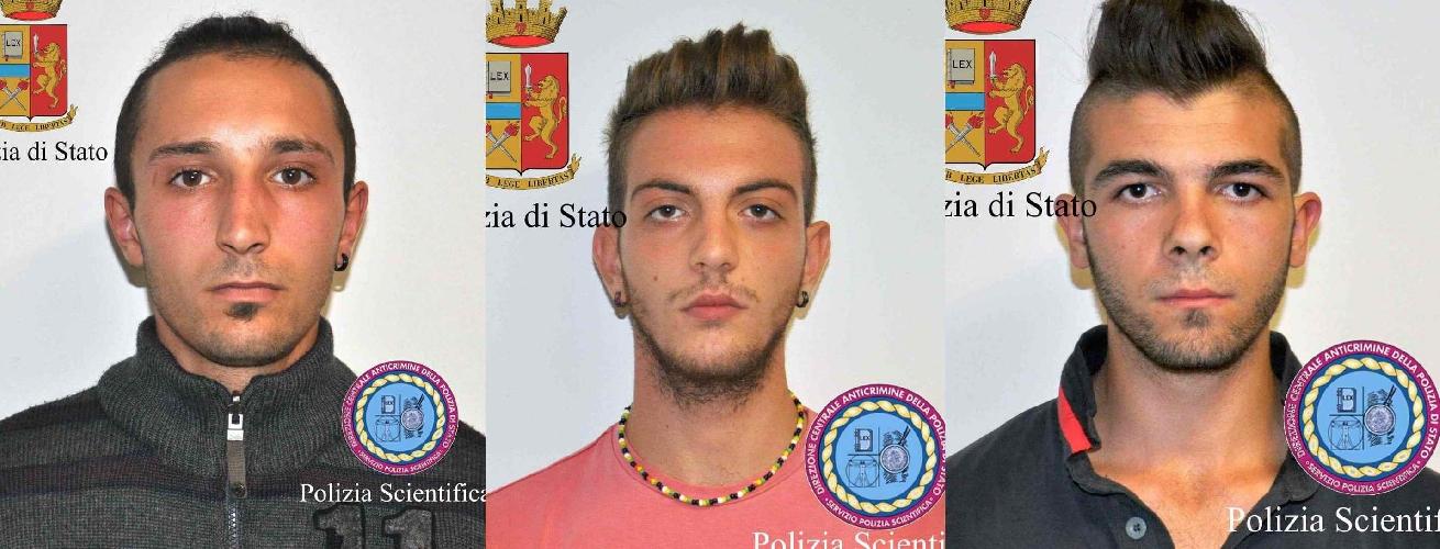http://www.ragusanews.com//immagini_articoli/10-10-2014/pistola-giocattolo-ma-non-tanto-arrestati-tre-giovani-500.jpg
