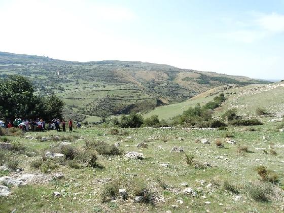 https://www.ragusanews.com//immagini_articoli/10-10-2016/escursioni-su-monte-tabuto-e-miniere-di-selce-420.jpg