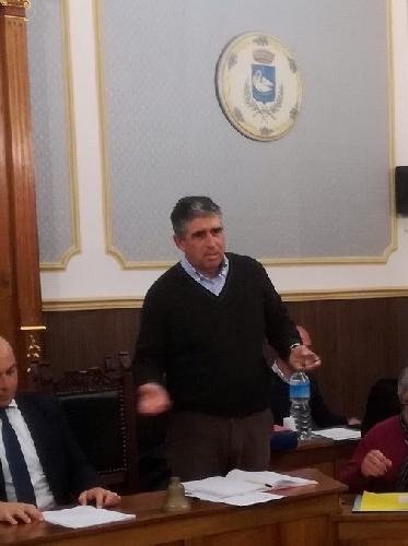 http://www.ragusanews.com//immagini_articoli/10-10-2017/francesco-piro-segretario-comunale-chiaramonte-500.jpg