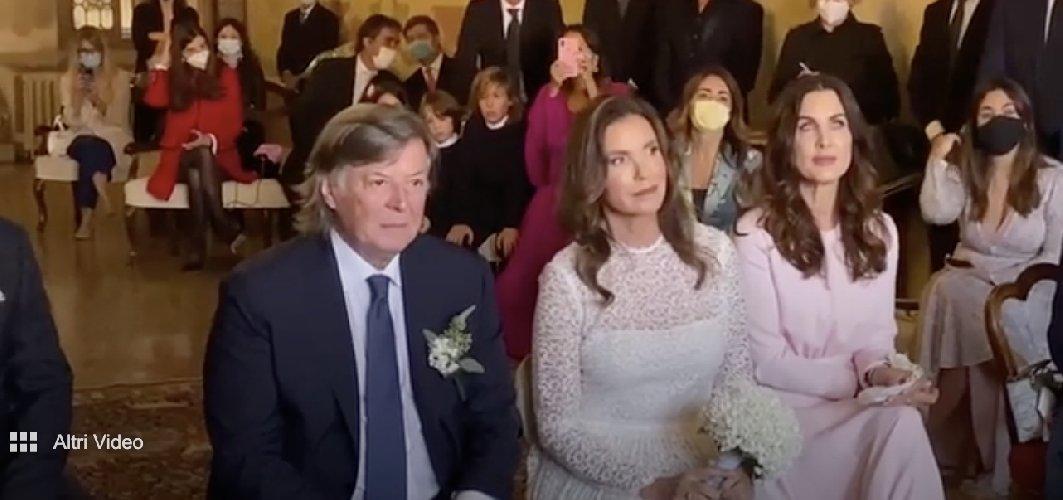 https://www.ragusanews.com//immagini_articoli/10-10-2020/1602334629-adriano-panatta-matrimonio-a-70-anni-1-500.jpg
