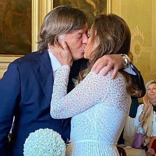 https://www.ragusanews.com//immagini_articoli/10-10-2020/adriano-panatta-matrimonio-a-70-anni-500.jpg