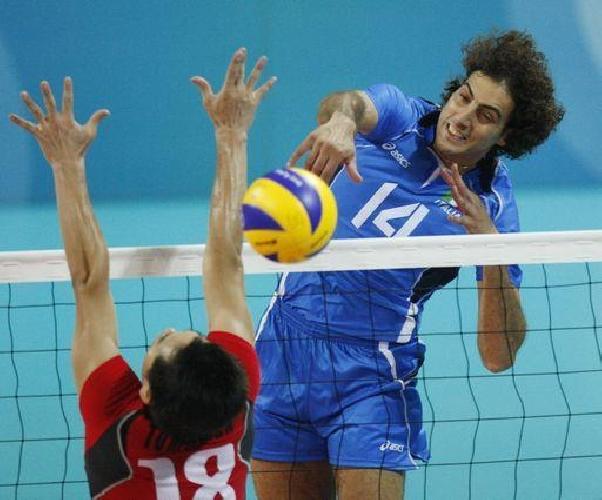 https://www.ragusanews.com//immagini_articoli/10-11-2011/scicli-corsi-di-volley-alla-siklani-500.jpg