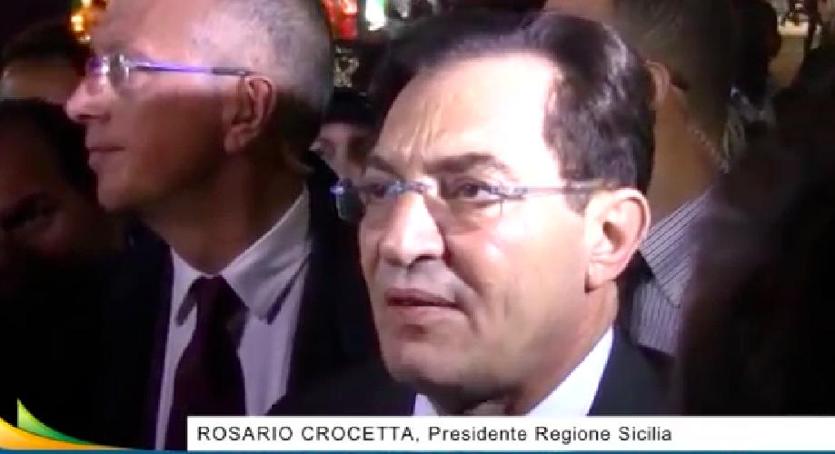http://www.ragusanews.com//immagini_articoli/10-11-2014/crocetta-shock-grillo-strizza-l-occhio-ai-mafiosi-500.png