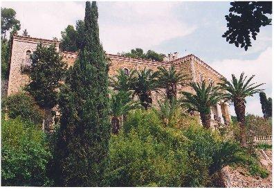 https://www.ragusanews.com//immagini_articoli/10-11-2020/1605021215-aaa-vendedi-villa-a-taormina-a-10-milioni-astenersi-perditempo-1-280.jpg