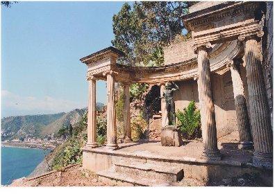 https://www.ragusanews.com//immagini_articoli/10-11-2020/1605021215-aaa-vendedi-villa-a-taormina-a-10-milioni-astenersi-perditempo-2-280.jpg