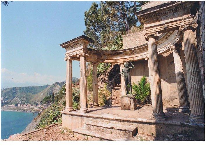 https://www.ragusanews.com//immagini_articoli/10-11-2020/1605021215-aaa-vendedi-villa-a-taormina-a-10-milioni-astenersi-perditempo-2-500.jpg