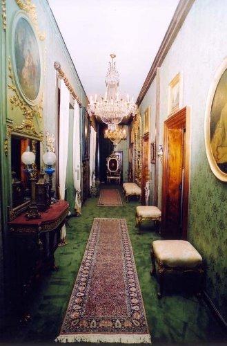 https://www.ragusanews.com//immagini_articoli/10-11-2020/1605021282-aaa-vendedi-villa-a-taormina-a-10-milioni-astenersi-perditempo-5-500.jpg