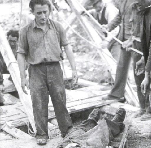 https://www.ragusanews.com//immagini_articoli/10-12-2012/centodieci-anni-fa-leccidio-di-giarratana-500.jpg