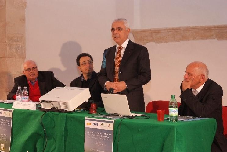 http://www.ragusanews.com//immagini_articoli/10-12-2012/lagricoltura-quantistica-a-ispica-500.jpg