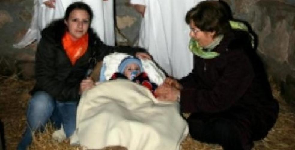 http://www.ragusanews.com//immagini_articoli/10-12-2014/nel-2006-veronica-fece-la-madonna-nel-presepe-con-loris-neonato-500.jpg