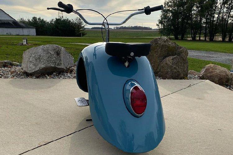 https://www.ragusanews.com//immagini_articoli/10-12-2019/1575978406-volkspod-scooter-con-la-voglia-di-maggiolino-fotovideo-1-500.jpg