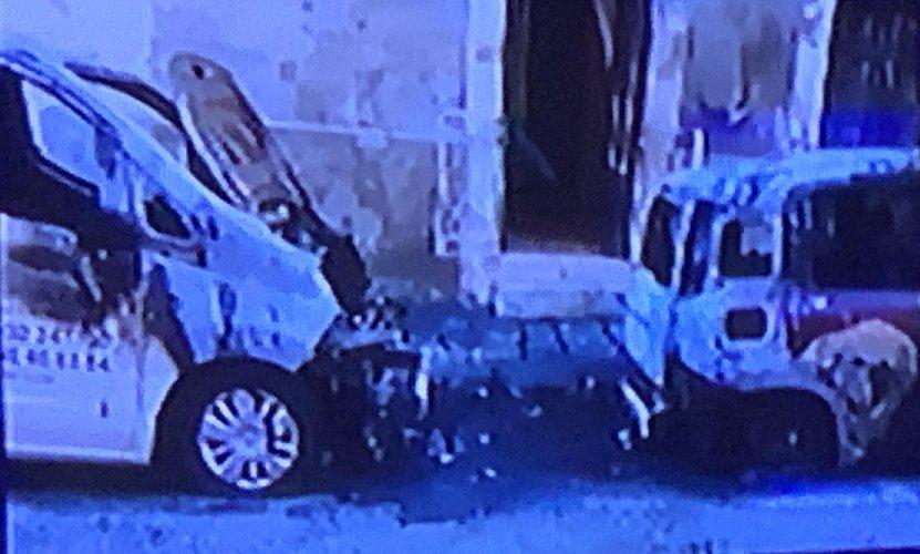 https://www.ragusanews.com//immagini_articoli/10-12-2019/incendiate-auto-di-onoranze-funebri-in-centro-a-ragusa-500.jpg