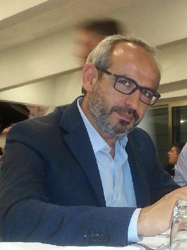 http://www.ragusanews.com//immagini_articoli/11-01-2015/scuderi-ci-si-vende-per-un-piatto-di-lenticchie-nel-pd-500.jpg
