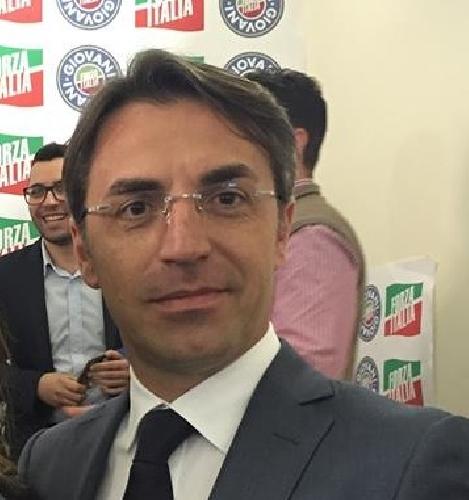 https://www.ragusanews.com//immagini_articoli/11-01-2016/forza-italia-entra-giovanni-mauro-esce-giovanni-occhipinti-500.jpg