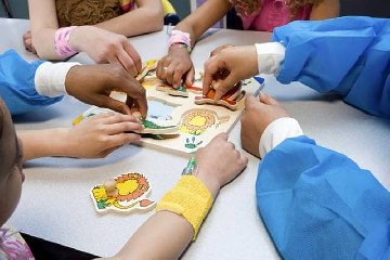http://www.ragusanews.com//immagini_articoli/11-01-2018/ragusa-bambini-siriani-accolti-centro-talassemico-dellasp-240.jpg