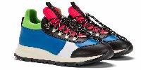 https://www.ragusanews.com//immagini_articoli/11-01-2019/sneakers-strizzano-occhio-sciatori-100.jpg