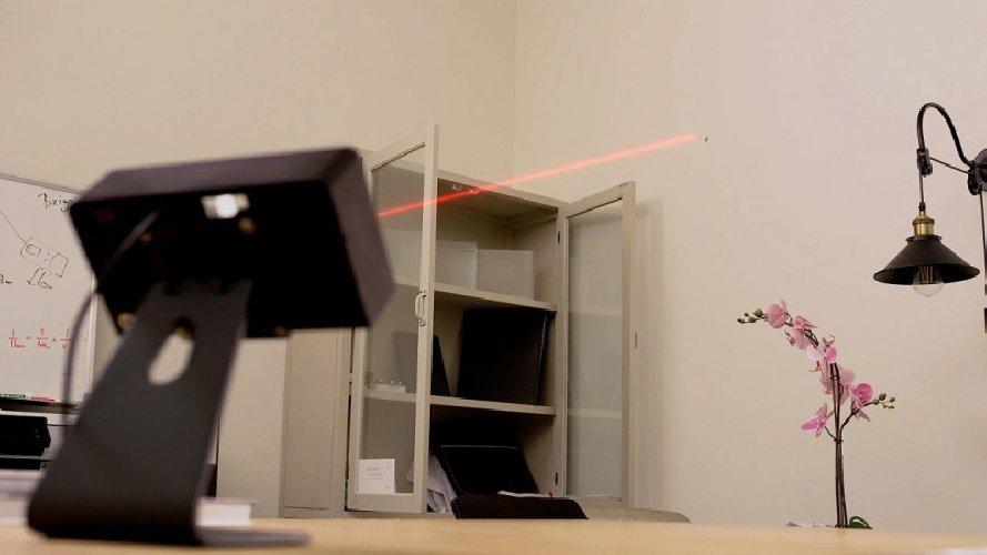 https://www.ragusanews.com//immagini_articoli/11-01-2020/inventato-il-laser-che-individua-le-zanzare-ma-le-dovete-uccidere-voi-500.jpg