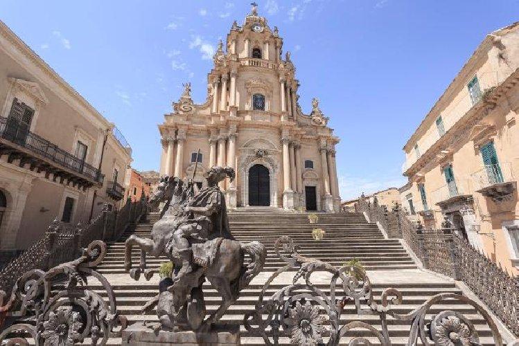 https://www.ragusanews.com//immagini_articoli/11-02-2019/ragusa-difendono-legge-privilegio-ibla-500.jpg