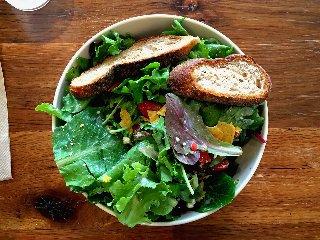 https://www.ragusanews.com//immagini_articoli/11-02-2020/healthy-bowl-la-moda-piatto-unico-240.jpg