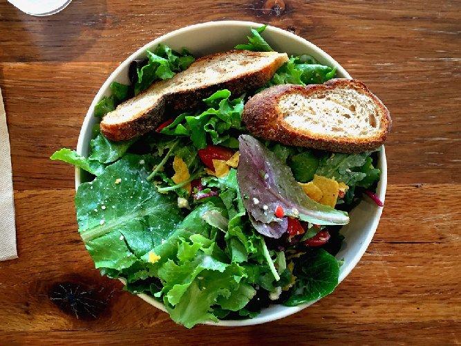 https://www.ragusanews.com//immagini_articoli/11-02-2020/healthy-bowl-la-moda-piatto-unico-500.jpg