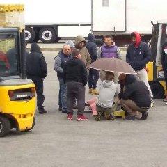 https://www.ragusanews.com//immagini_articoli/11-02-2020/incidente-al-mercato-di-vittoria-ambulanza-in-ritardo-notizia-falsa-240.jpg