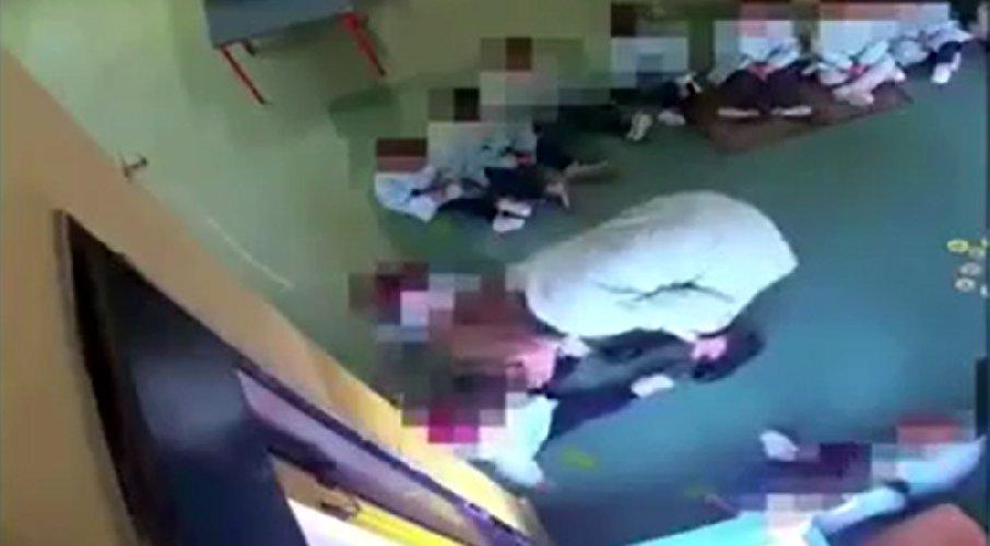 https://www.ragusanews.com//immagini_articoli/11-02-2020/mestra-picchiava-i-bambini-sospesa-per-1-anno-lascia-domiciliari-500.jpg