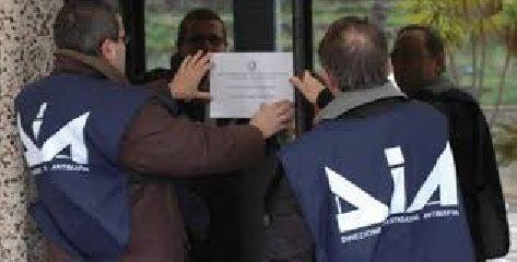 https://www.ragusanews.com//immagini_articoli/11-02-2020/sequestrati-5-milioni-di-euro-al-re-plastica-ragusano-240.jpg