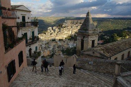 https://www.ragusanews.com//immagini_articoli/11-02-2021/case-ne-vendere-ne-comprare-ma-affittare-i-prezzi-a-ragusa-e-in-sicilia-280.jpg