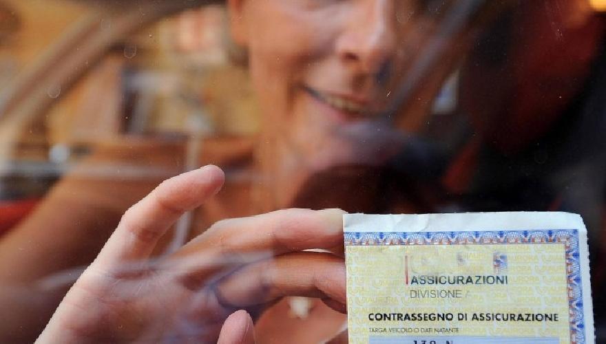 http://www.ragusanews.com//immagini_articoli/11-03-2014/36-vittoriesi-hanno-truffato-unassicurazione-on-line-di-milano-500.jpg