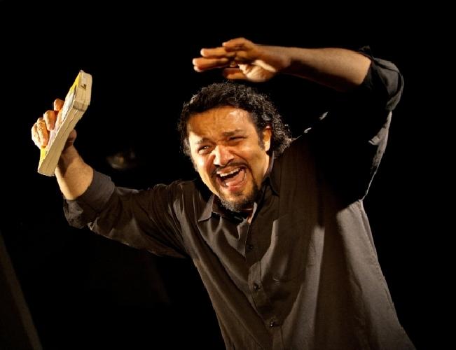 http://www.ragusanews.com//immagini_articoli/11-03-2014/finanza-killer-in-teatro-a-ragusa-500.jpg