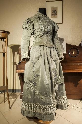 http://www.ragusanews.com//immagini_articoli/11-03-2015/vincolo-per-la-collezione-del-museo-del-costume-500.jpg