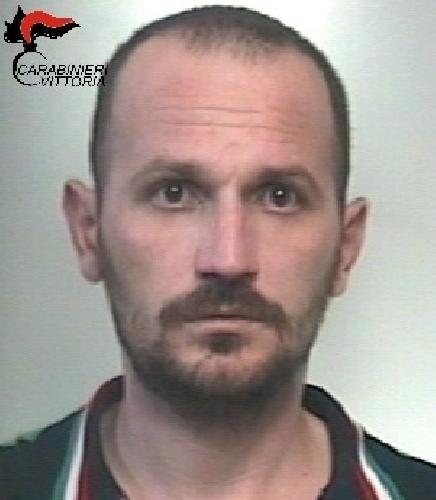 http://www.ragusanews.com//immagini_articoli/11-03-2017/scoglitti-arrestato-albanese-ovulo-cocaina-500.jpg