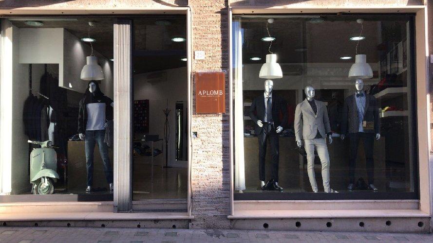 https://www.ragusanews.com//immagini_articoli/11-03-2018/moda-uomo-scicli-apre-aplomb-500.jpg