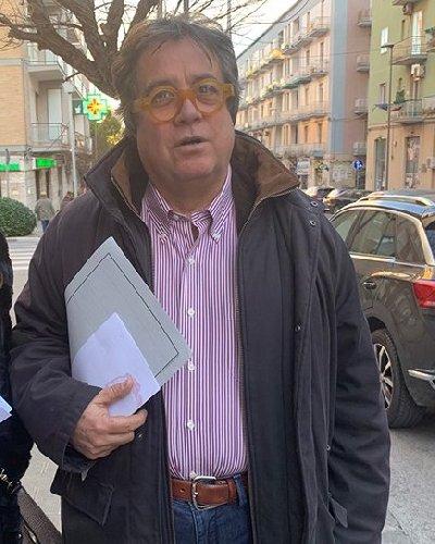 https://www.ragusanews.com//immagini_articoli/11-03-2019/sebastiano-tusa-stava-preparando-grande-mostra-piero-guccione-500.jpg
