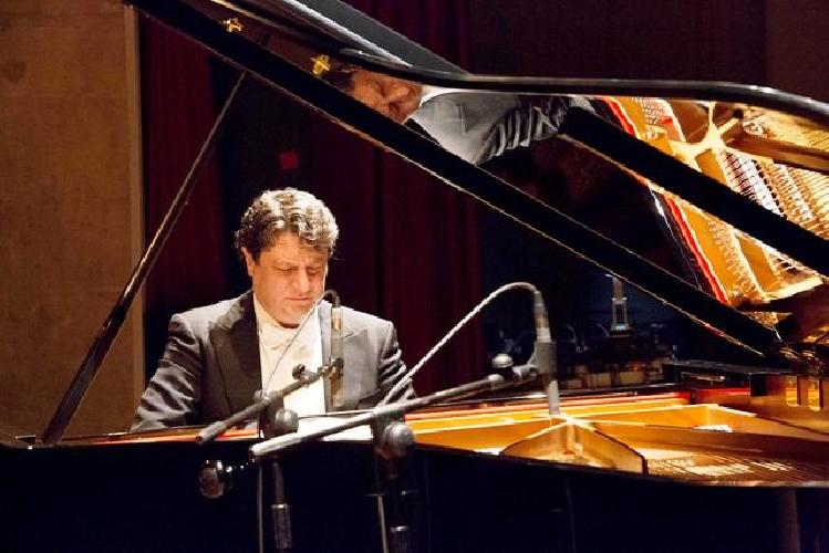 http://www.ragusanews.com//immagini_articoli/11-04-2016/concerto-di-giovanni-cultrera-500.jpg