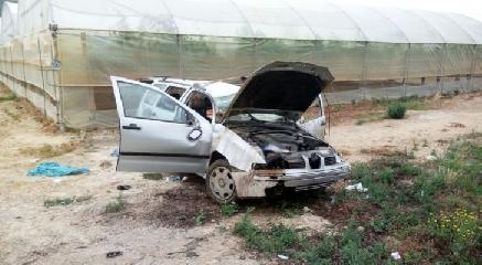 http://www.ragusanews.com//immagini_articoli/11-05-2017/acate-ribalta-auto-cinque-passeggeri-ferito-grave-240.jpg