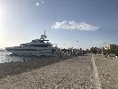 http://www.ragusanews.com//immagini_articoli/11-05-2017/yacht-approdato-siracusa-foto-100.jpg