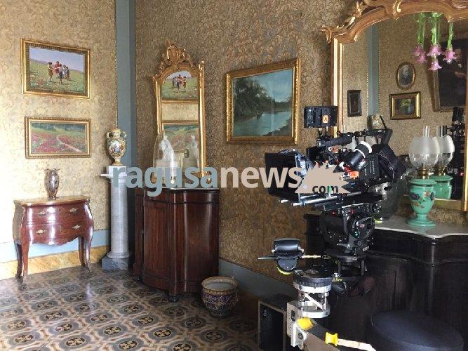 https://www.ragusanews.com//immagini_articoli/11-05-2018/montalbano-investiga-casa-dottor-pasquano-500.jpg