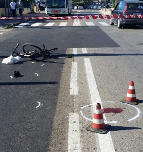 https://www.ragusanews.com//immagini_articoli/11-05-2019/auto-bici-a-frigintini-un-ferito-500.jpg